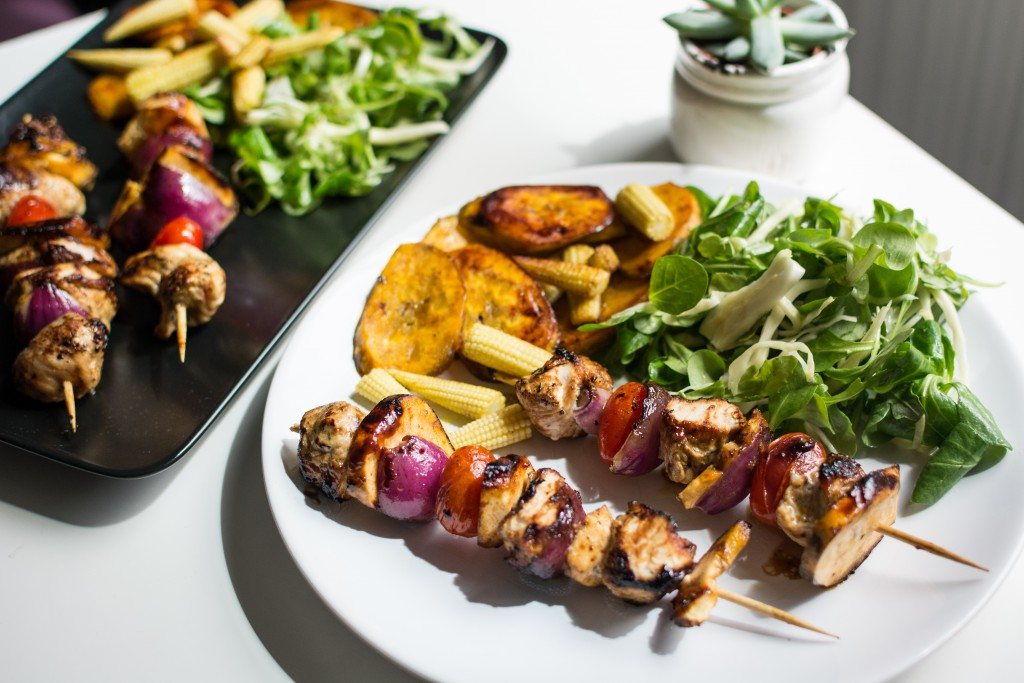 foodiesfeed.com_paleo-chicken-skewers-with-plantains