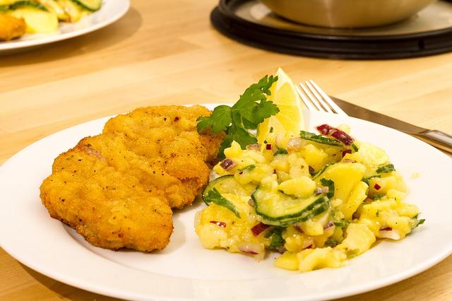 bramborový salát + kapr
