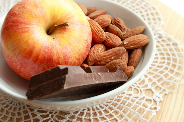 jablko + čokoláda + ořechy