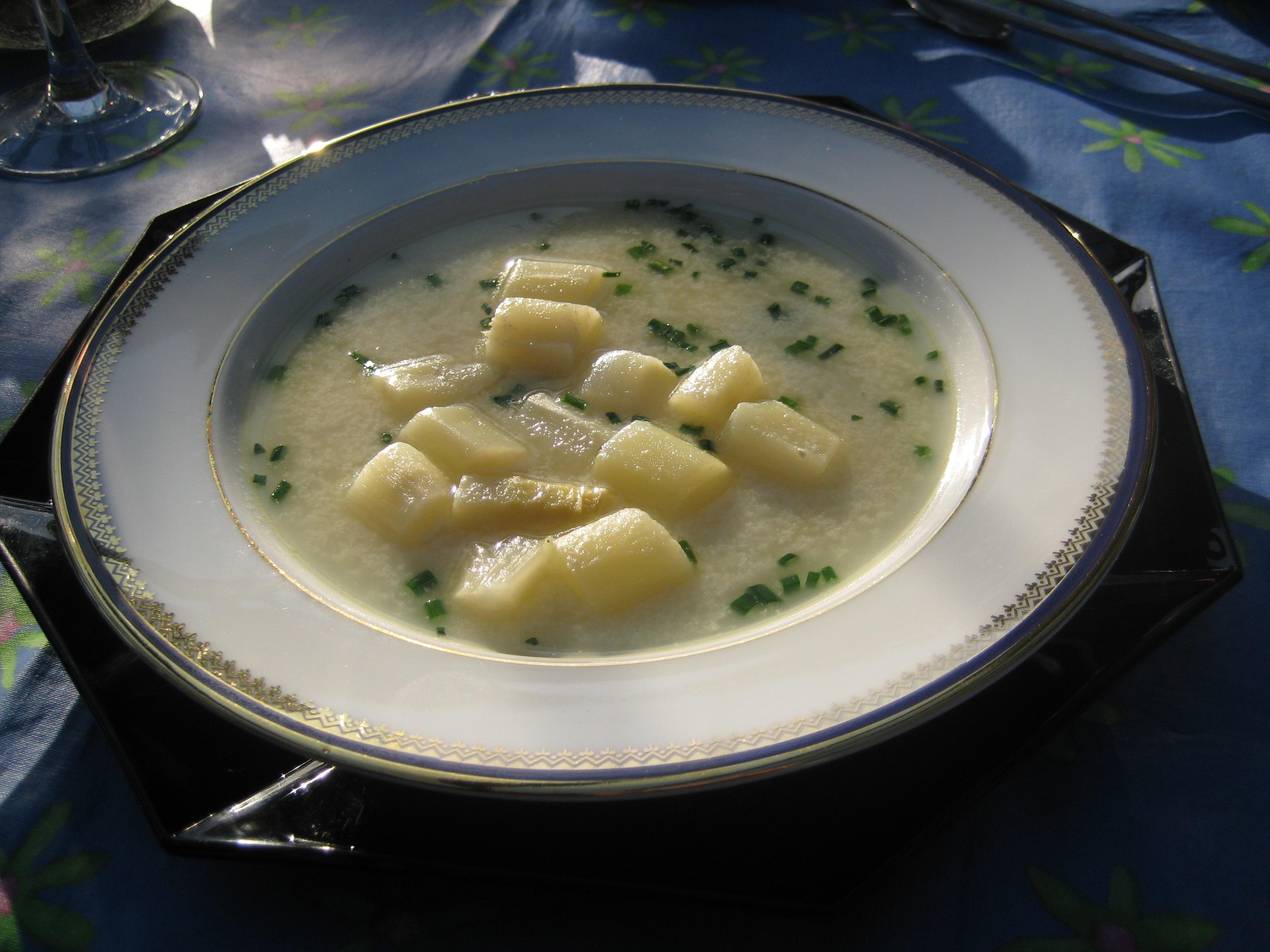 bílá polévka