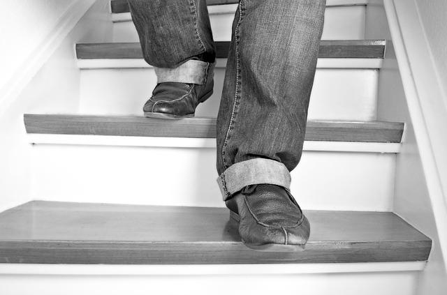 chůze ze schodů
