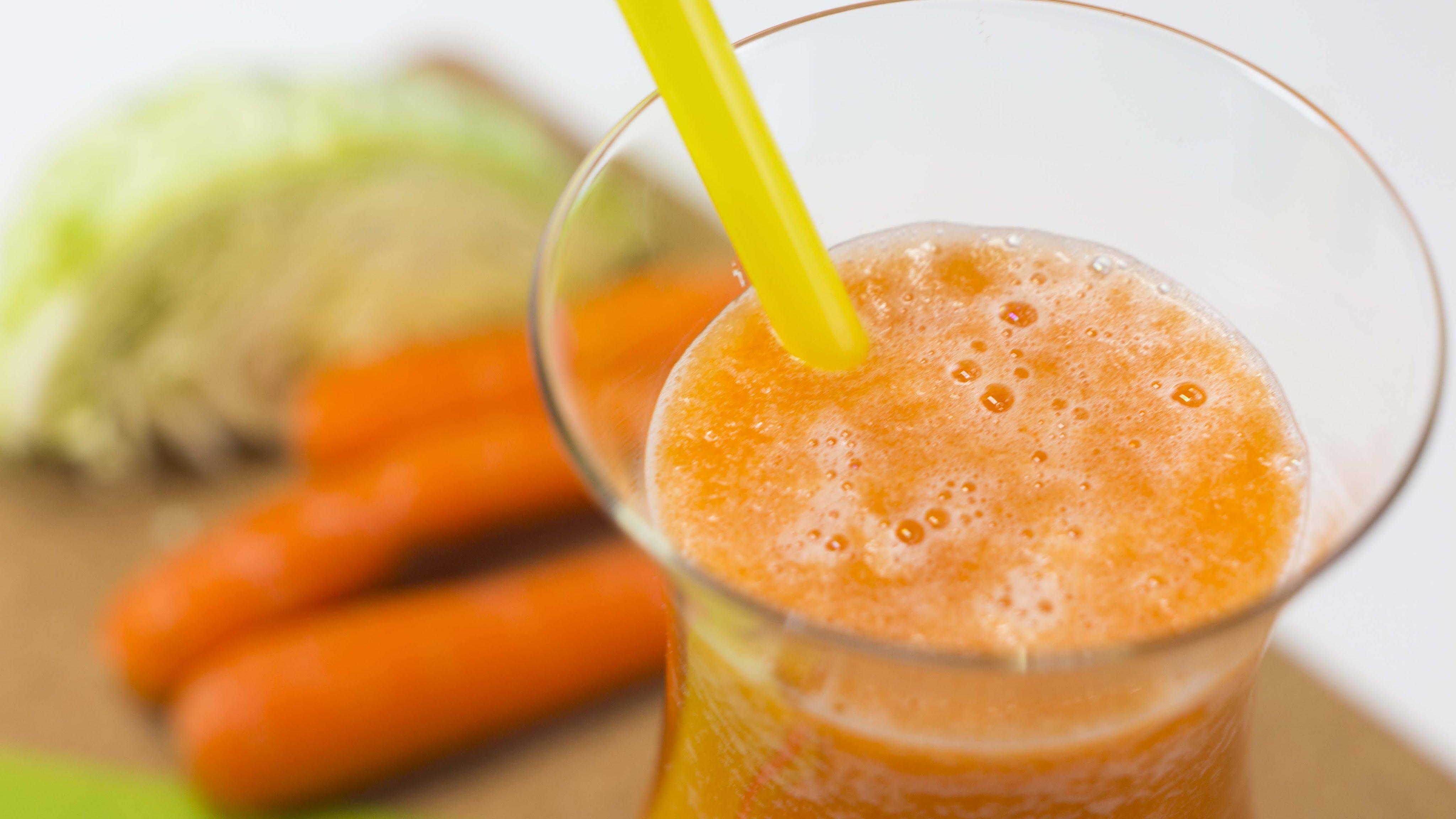Zeleninovo-ovocný fresh s chřestem