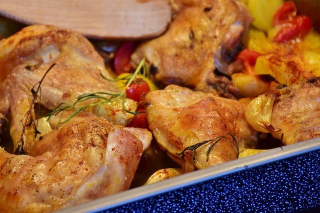 Citronové kuře s pečenými brambory, zeleninová obloha