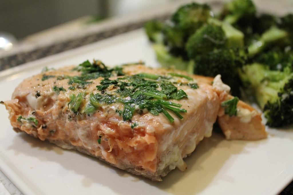 losos s brokolicí