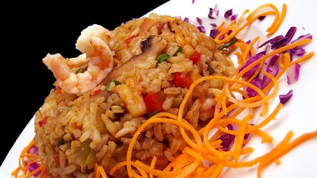 rizoto s mořskými plody a zeleninou
