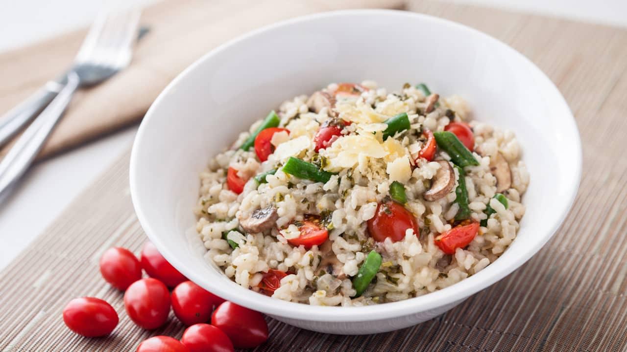 zeleninové rizoto se šafránem a parmazánem