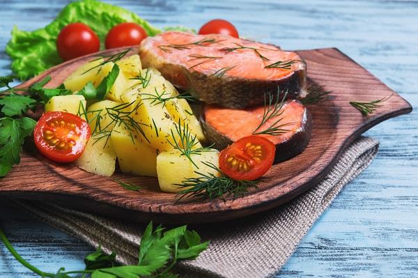 pečený losos s brambory