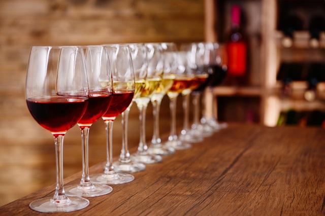 různé druhy vína