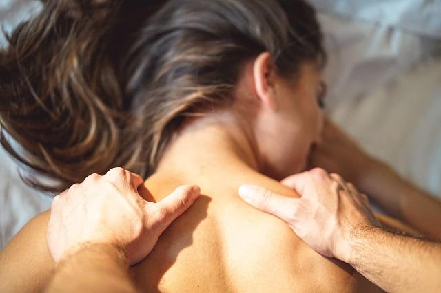 návod na masáž šíje