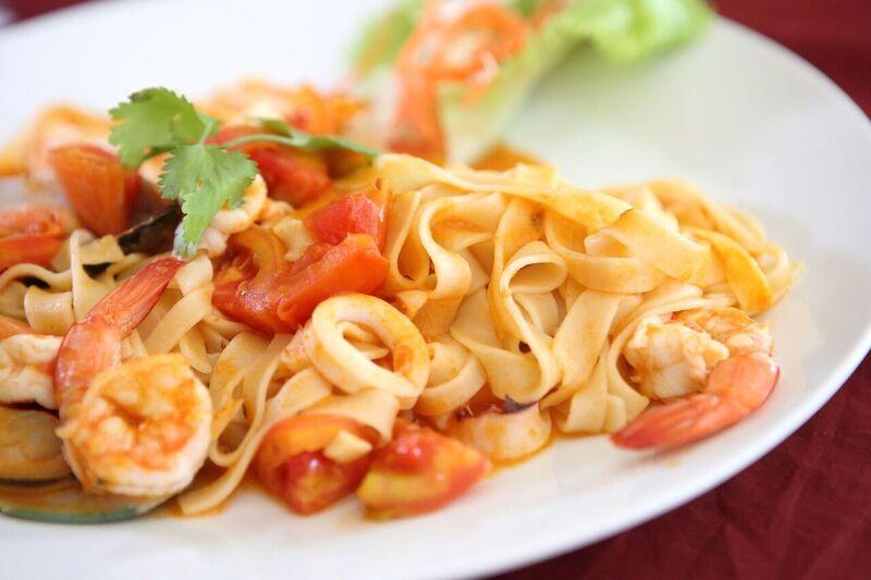spagety-s-krevetami-a-rajcaty