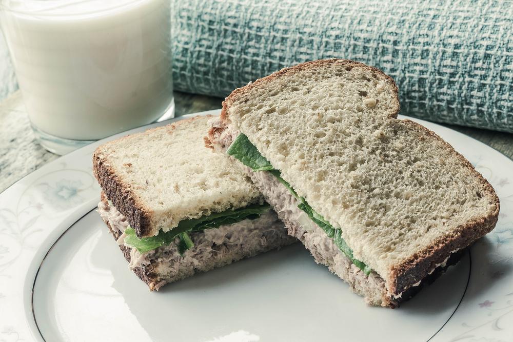 sendvic-s-tunakem