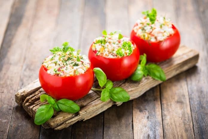 rajčata plněná sýrovou pěnou