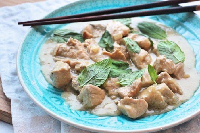 krůtí kari se zeleninou a rýží basmati