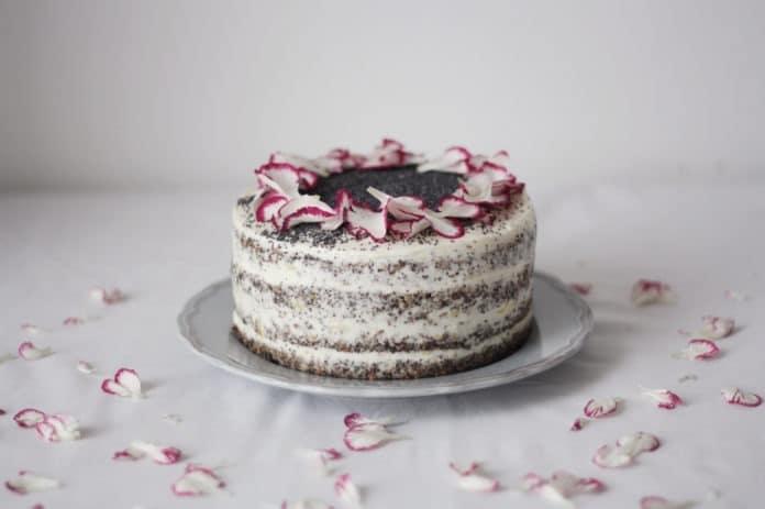 makový dort s citrónovým mascarpone