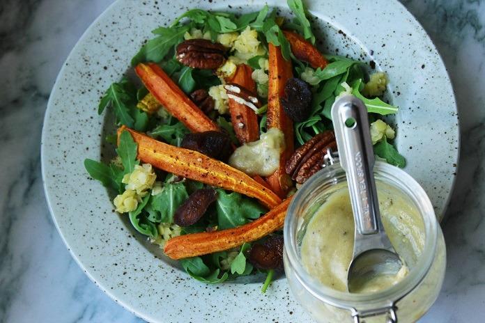 letní salát z červené čočky s pečenou mrkví