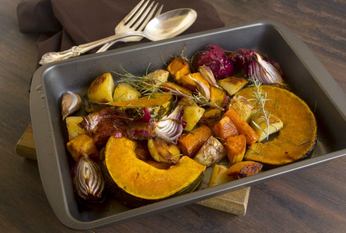 pečená dýně, mrkev a brambory s rozmarýnem