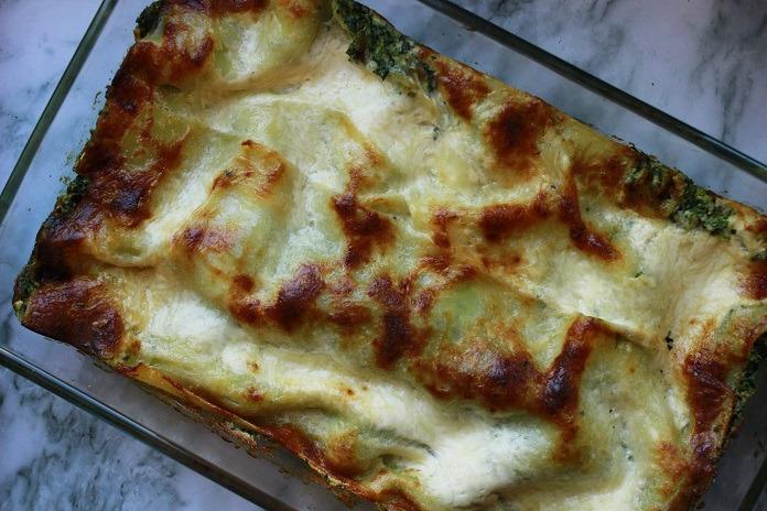 špenátové lasagne se sójovou smetanou a ricottou