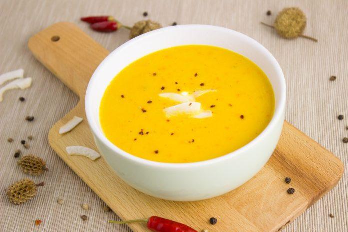 dýňová polévka se špetkou zázvoru