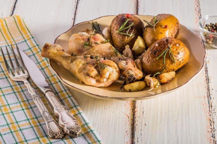 kuřecí stehno na česneku a tymiánu