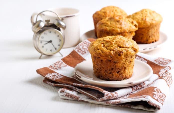 mrkvový muffin s pekanovými ořechy