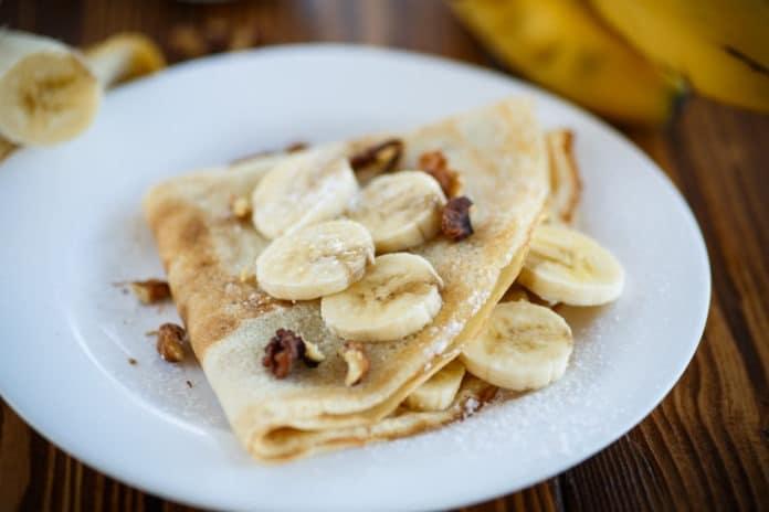 palačinky s tvarohem a banánem