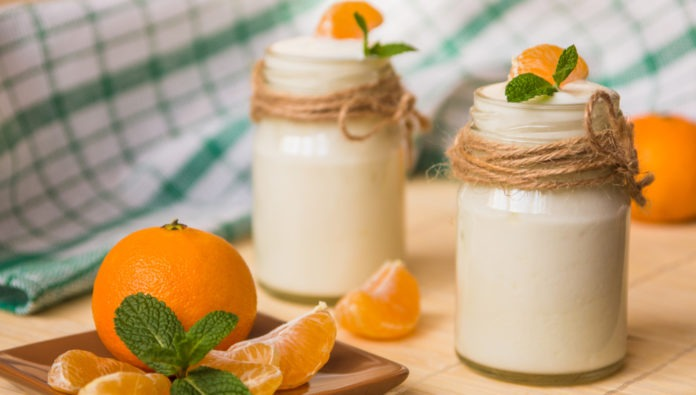acidofilní mléko s mandarinkou