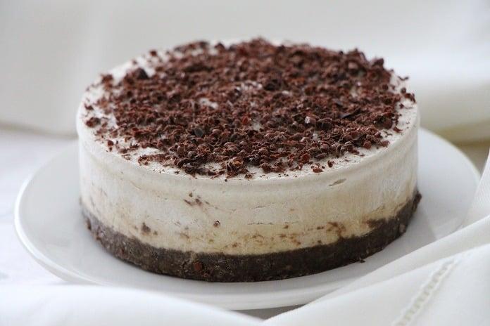 nepečený dort s pravou vanilkou a hořkou čokoládou