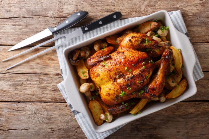 pečené kuře s mandlovou nádivkou a vařeným bramborem