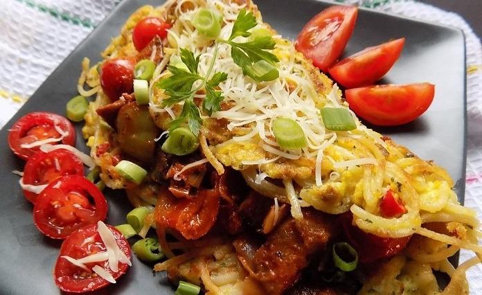 špagetová omeleta se zeleninou