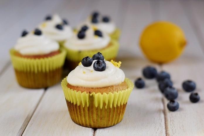 borůvkové cupcakes s banánem a řeckým jogurtem
