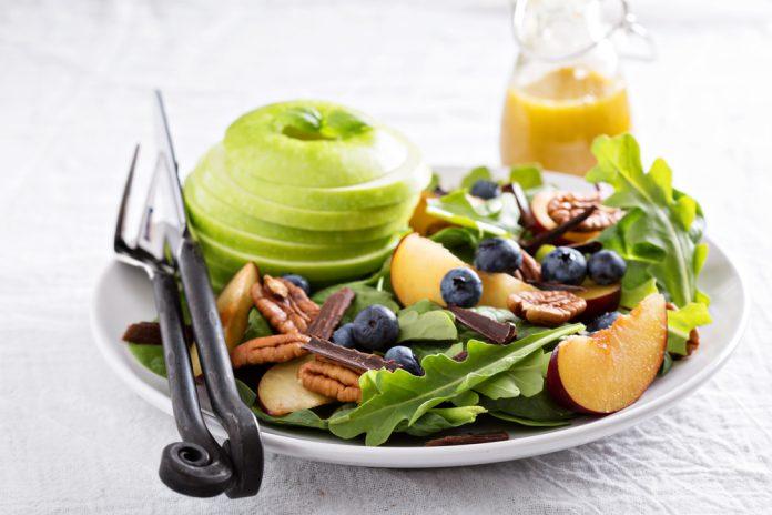ovocný salát s vanilkovou zálivkou