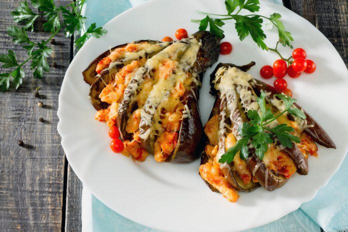 krůtí maso zapečené s lilkem a rajčaty
