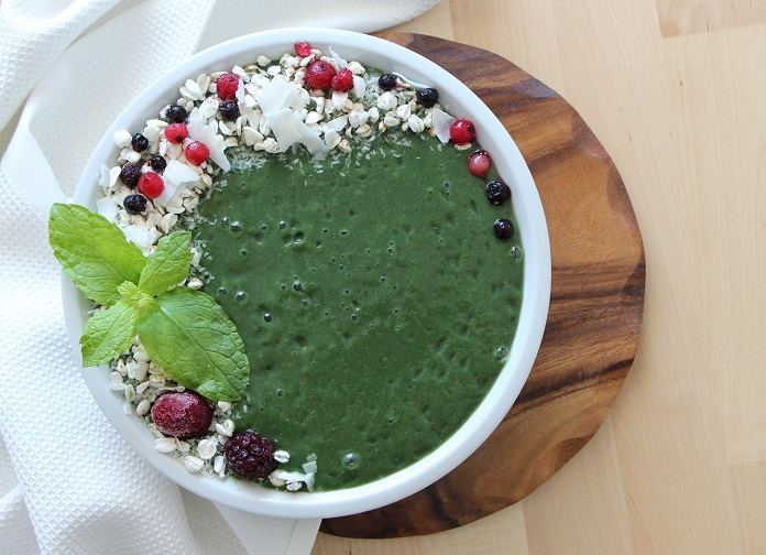 zelené smoothie plné superpotravin
