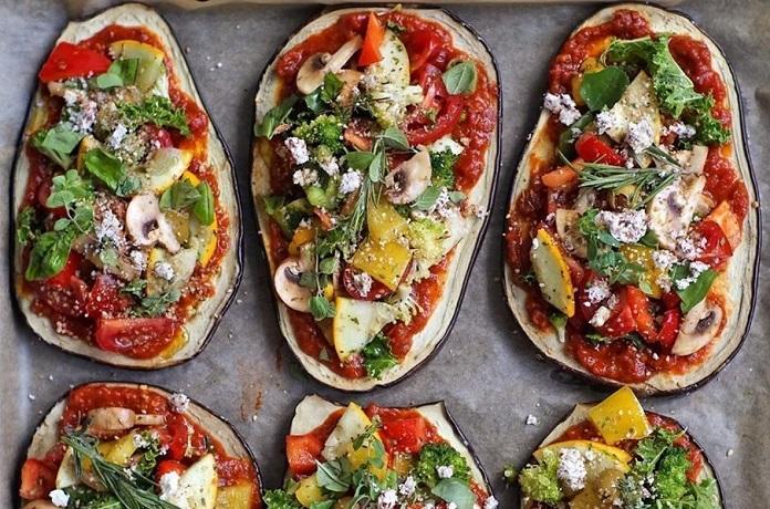 Letní lilkové pizzy se zeleninou