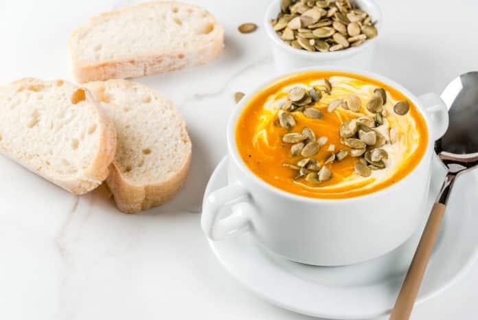 dýňová polévka s ricottou
