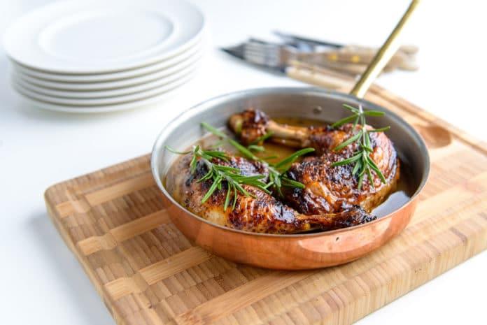 kuře na rozmarýnu se šťouchanými brambory