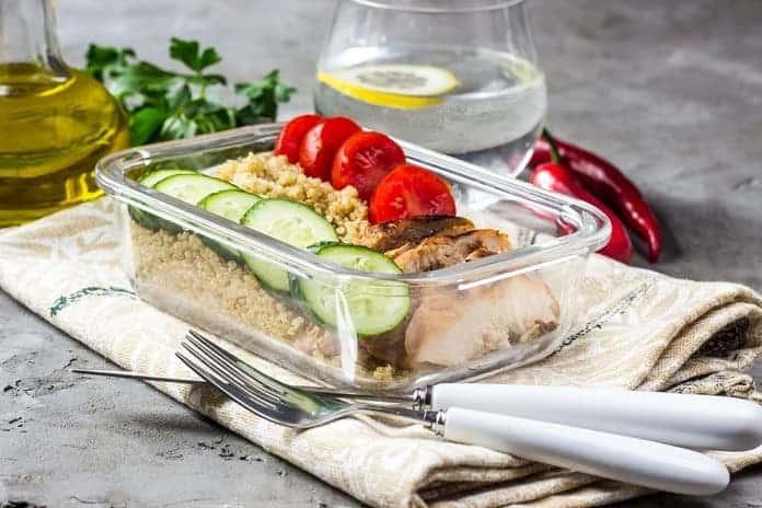 krůtí roláda plněná mandlovou nádivkou s quinoou