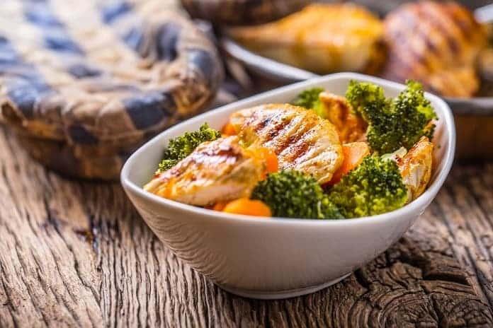 krůtí prsa s pečenou zeleninou