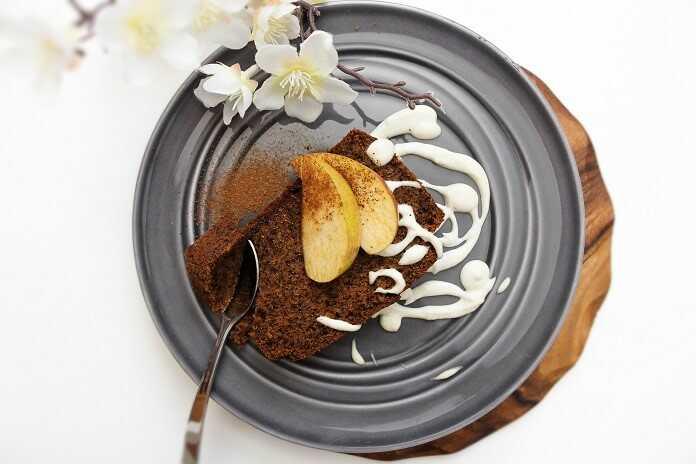 mrkvovo-jablečný chlebík s vlašskými ořechy