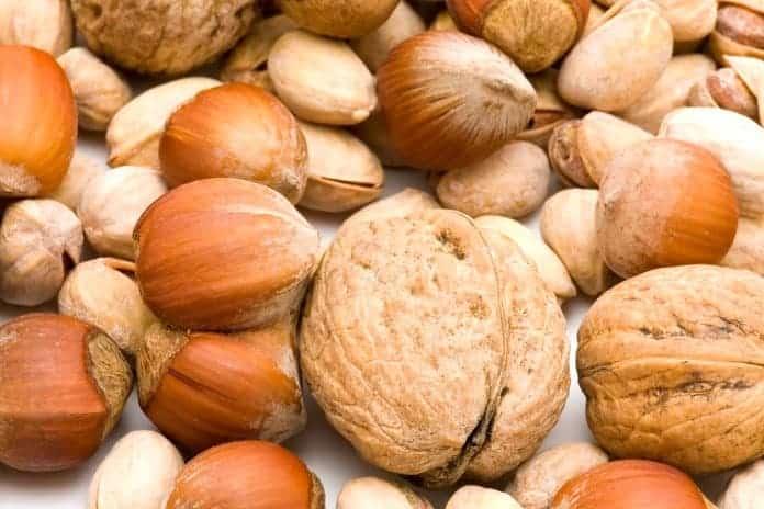 hořčík v ořechách a semenech