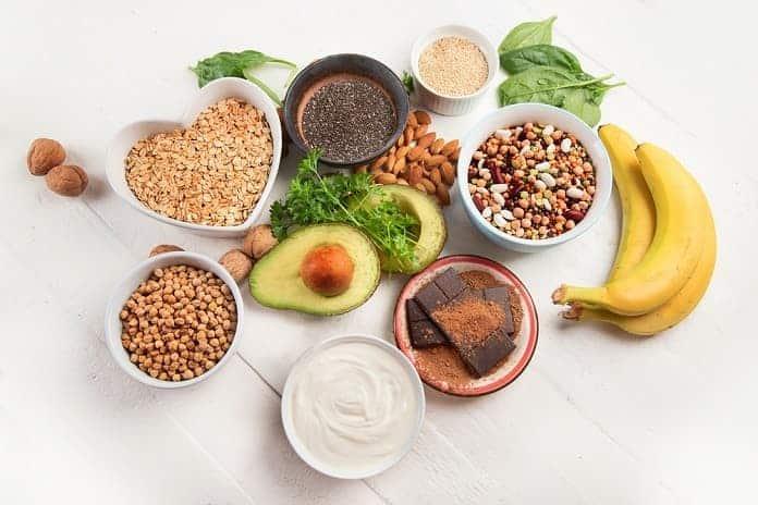 Magnesium se nachází v zelenině, ovoci, luštěninách, obilovinách, ale také v masu a mléčných výrobcích.